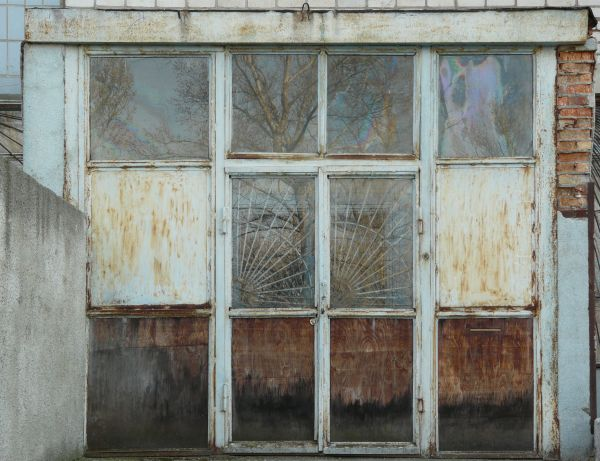 Old Windows with Glass Doors 600 x 461 · 57 kB · jpeg