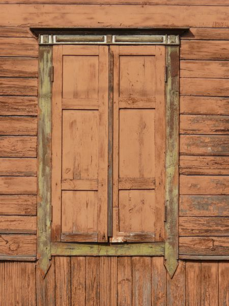 Wood Frame Texture : window with worn shutters 0129 - Texturelib